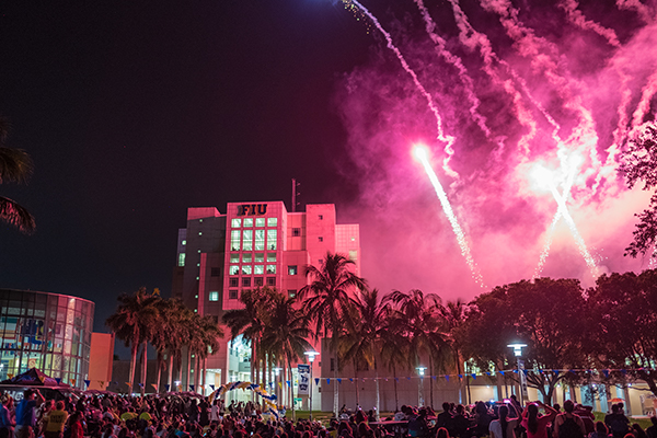 FIU students, faculty, staff and the community gathered on the GC lawns for the homecoming event, the uncaging
